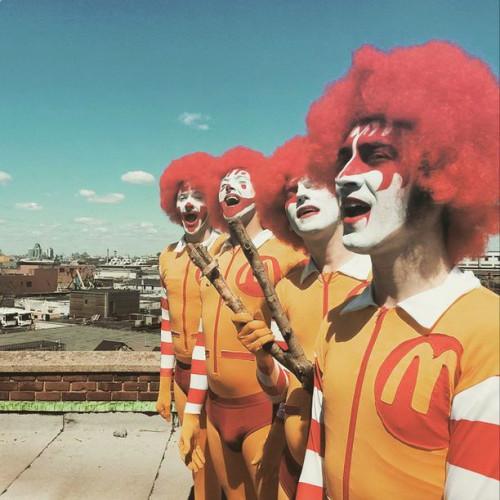 music video :: TURBOSLEAZE > Ronald McDonald's Unusual Balls Clasp